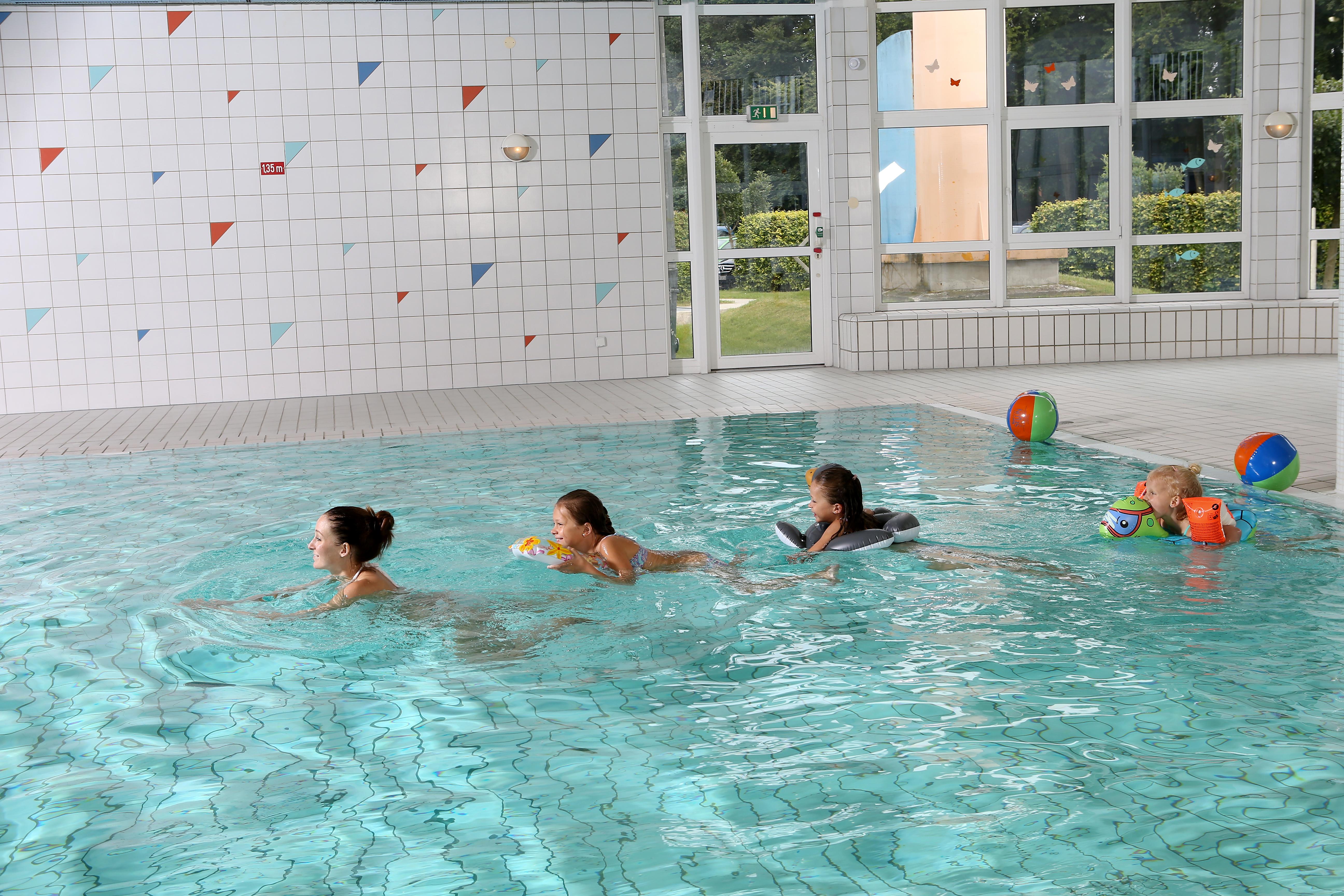 Beheitzes Schwimmbad im Innenbereich